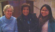 L à R: Mary Jo Toll, Cristina Igoa, et Diana Eusebio à la séance de l'ONU sur la migration